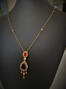 Collana girocollo oro rosa con diamanti e pietre naturali fatta a mano