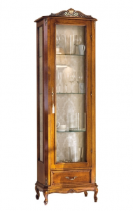 Display cabinet in classic style
