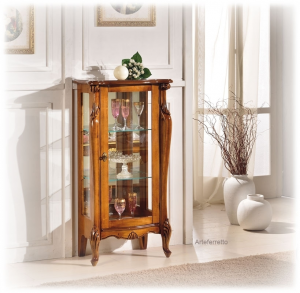 Low display cabinet in wood