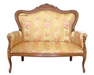 Carved classic shape sofa
