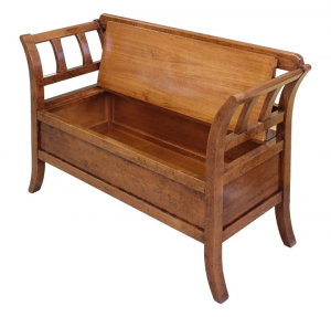 Storage bench in solid wood, space saving bench