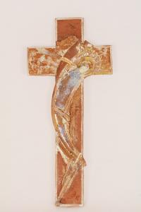 Croce terracotta con smalti dorati cm 26x12
