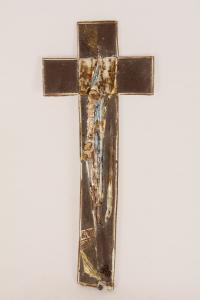 Croce terracotta con smalti dorati cm 24,5x10