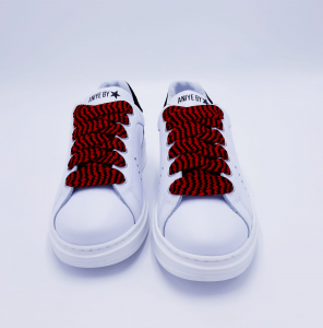 Sneakers Over Maku Aniye By