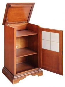 Kleines Möbel mit Intarsie
