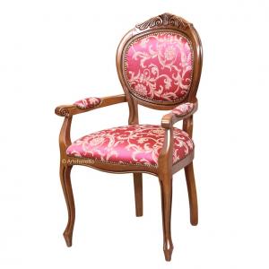 Chaise bout de table sculptée