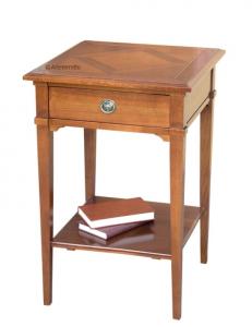 Petite table en bois massif plateau ciselé