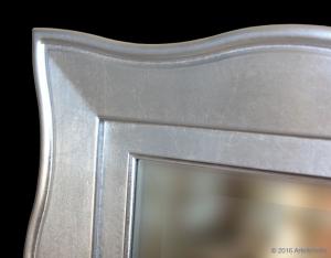 Komposition Spiegel und Konsolentisch Blattsilber