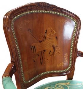 Fauteuil style Louis XV marqueté