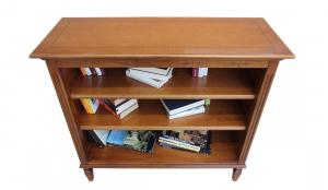 Bücherregal niedrig mit Einlegeböden