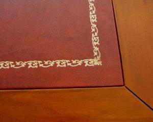Bureau marqueté avec cuir véritable