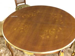 Runder Tisch mit Intarsien 140 cm