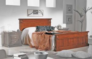 Doppelbett klassischer Stil aus Holz