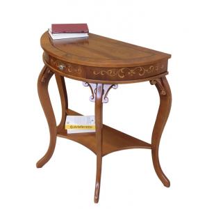 Tischchen mit Schnitzarbeit
