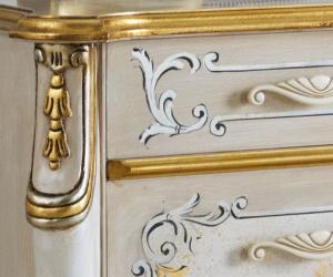 Table de chevet décorée Beautiful line