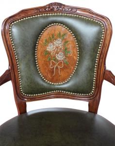 Fauteuil Style Louis XV décoré à la main