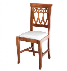 Chaise en bois et assise rembourrée