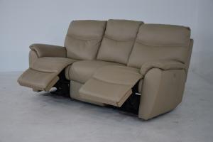 CLAUD - Divano relax color crema in pelle a 3 posti di cui 2 con meccanismi recliner elettrici