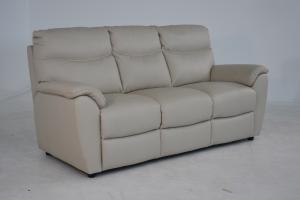 CHET - Divano relax in pelle beige a 3 posti di cui 2 con meccanismi recliner elettrici