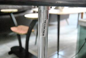 Tavolino vintage da salotto by EILEEN GREY 2
