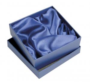 Scatola blu con interno raso