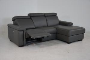 CLANCY - Divano in pelle grigio antracite con penisola a 3 posti di cui uno relax con movimento recliner elettrico