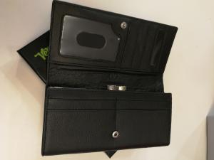 Portafoglio nero in pelle    Portafogli donna online
