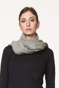 Morbida sciarpa in tinta unita in vari colori | Controcorrente shop online