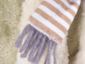 Coppia di animaletti di peluche con morbida coperta in pile