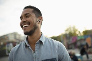 Cellularline Elusion - Universale Auricolari in-ear True wireless con custodia di ricarica Nero