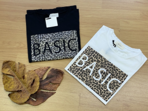 Tshirt Vicolo Stampa Animalier con Logo BASIC