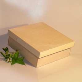 Scatola classica grande con base quadrata e coperchio a incastro