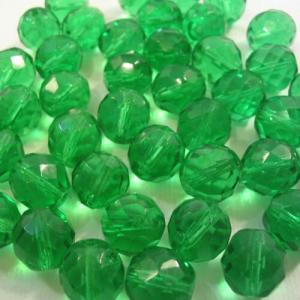 Perla sfaccettata 10 mm mezzo cristallo verde smeraldo