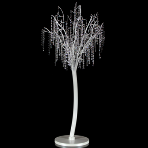 Albero con struttura metallica bianco perla allestito con catene di ottagoni in vetro molato 32 facce color cristallo. Altezza 130 cm