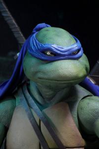 *PREORDER* Teenage Mutant Ninja Turtles Action Figure 1/4: LEONARDO by Neca