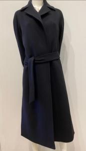 GLYCÒ SIRI Cappotto vestaglia in lana 90% con cintura e profondi spacchi laterali.