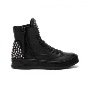 Sneaker alta/anfibio nera con borchie Crime London