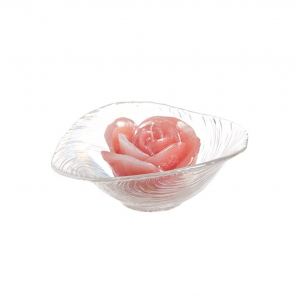Candela profumata rosa corallo con piattino in vetro cm.10,5h diam.16