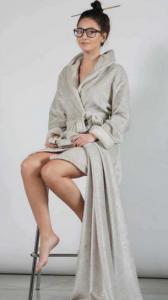 Vestaglia Invernale Morbida e Calda, che forma la Perfetta Unione tra Stile e Praticità, Offerta in 3 Diverse Misure | Modello TOKYO