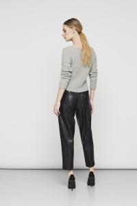 Pantalone in ecopelle European Culture