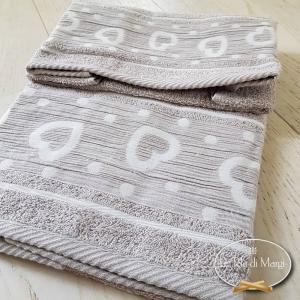 Asciugamani Cuoricini e pois Tortora