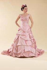 Abito sposa rosa ampio.