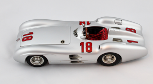 Mercedes-Benz W196R Fangio 1954 1/18 Cmc