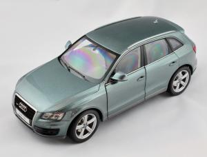Audi Q5 Metal Quartz Grey 1/18 Kyosho