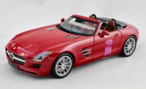 Mercedes Benz SLS AMG Roadster 2011 Red Metallic 1/18 Minichamps