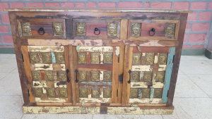 Buffet in legno recuperato di teak con 3 ante e 3 cassetti