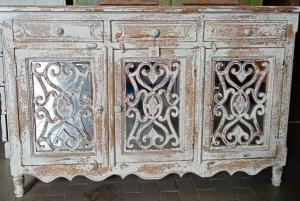 Buffet white wash in legno di mango 3 cassetti e 3 ante con specchi