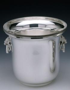 Secchiello champagne in metallo placcato argento con manici testa di Leone stile Impero cm.21h diam.22