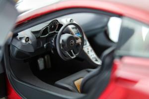 McLaren MP4-12C 2011 Red Metallic 1/18 Minichamps