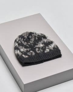 Berretto nero in misto lana e alpaca con disegni jacquard grigi